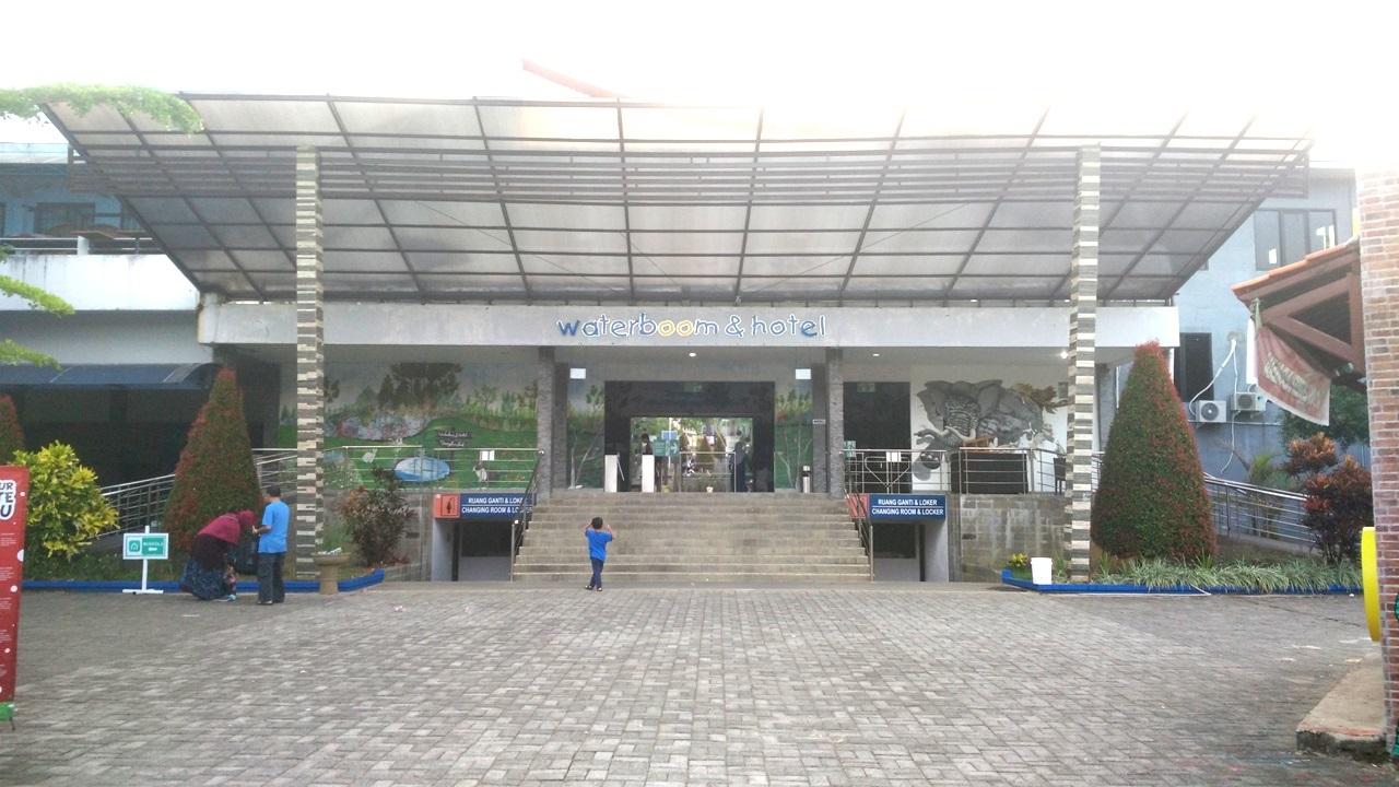 Sangkan Resort Aqua Park Kuningan - Bagian depan dan Hotel